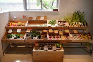 micotoya house (アイス屋/青果屋/shop):色鮮やかな青果