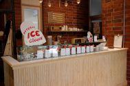 micotoya house (アイス屋/青果屋/shop):アイスも撮影小物として