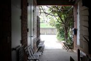 micotoya house (アイス屋/青果屋/shop):ストックルーム側の空間