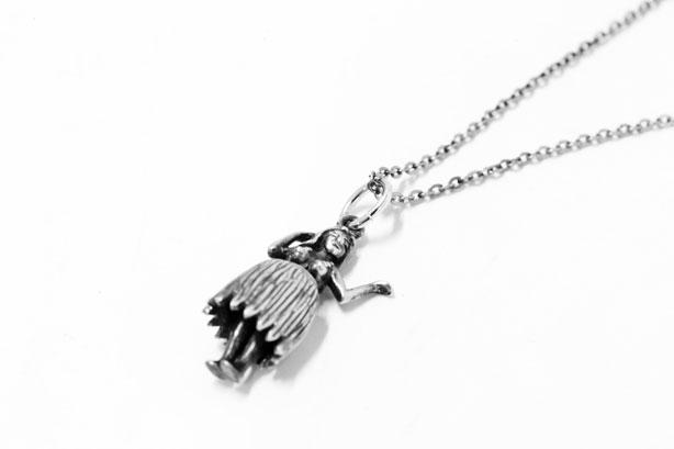 Hula Girl Necklace 6,300yen
