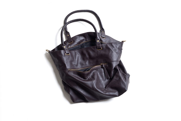 Cow Leather Tote Bag : 10,500yen