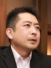 鈴木 信裕氏