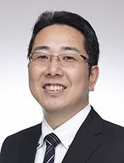 金井 義家氏