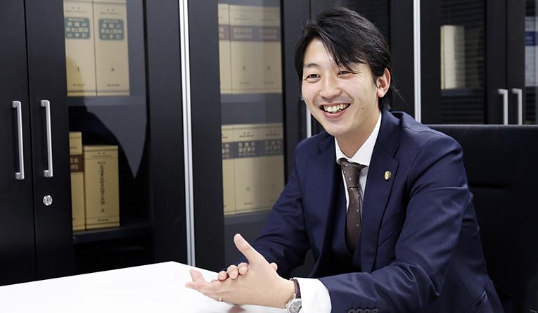 アディーレの弁護士たち  昆虫が好き! 田島寛明弁護士