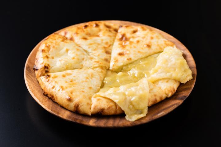 チーズナン(Cheese Nan)