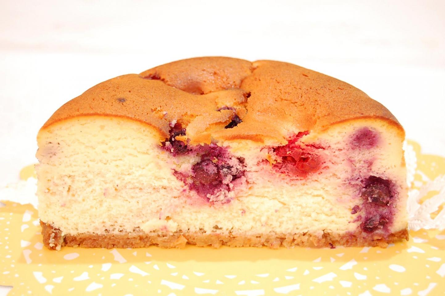 ベイクドチーズケーキ(ホール)【2日前の注文】