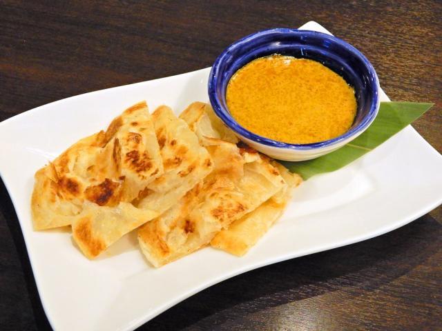 ロティチャナイ(Roti Canai with Currysauce)