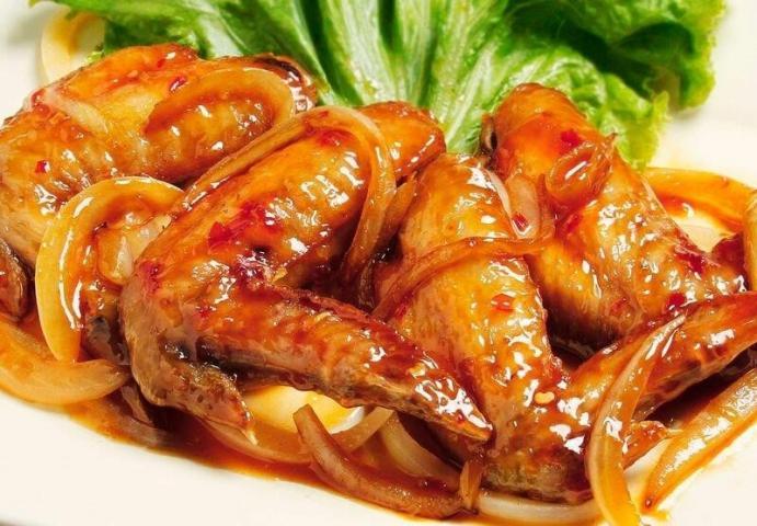 ベトナム手羽先ヌクマム風味
