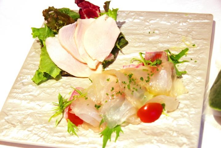 白身魚と鶏の冷製野沢菜ソース