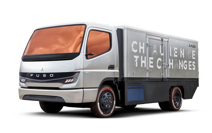 Daimler/三菱ふそうが2017年に発表した小型FCトラックコンセプトカーの写真