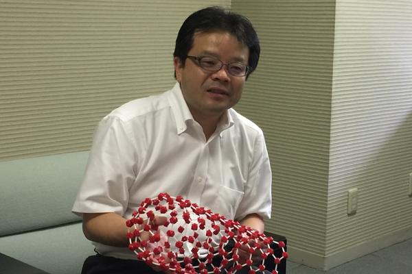 日本電気株式会社IoTデバイス研究所 所長代理 萬伸一氏。