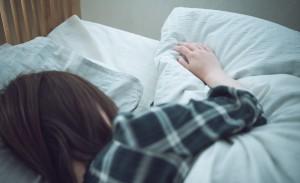bed_sleep_women
