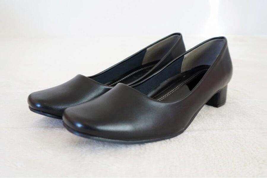面接時の靴の画像(女性)