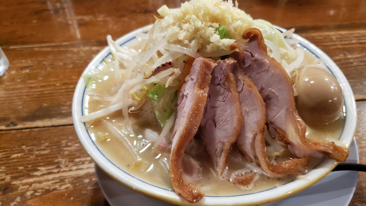 @fuchan2019 自分のラーメン食べ納めはダルマ食堂さんのちゃんタンメンと唐揚げでしたー‼️ ちなみに初ラーメンは年越し営業しているちゃーしゅうや武蔵笹口店さんで年越してお邪魔する予定です😉😋 深夜のラーメンたまらないですよねー😁