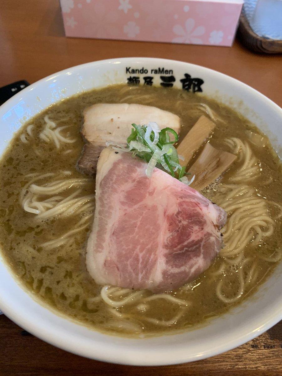 麺屋三郎 一宮  牡蠣の醤油ラーメン  牡蠣の出汁ではなく、牡蠣そのものが入っていて牡蠣の旨味が濃厚そのもの 当然自家製麺でうまいし、めちゃくちゃ当たりラーメンですわ