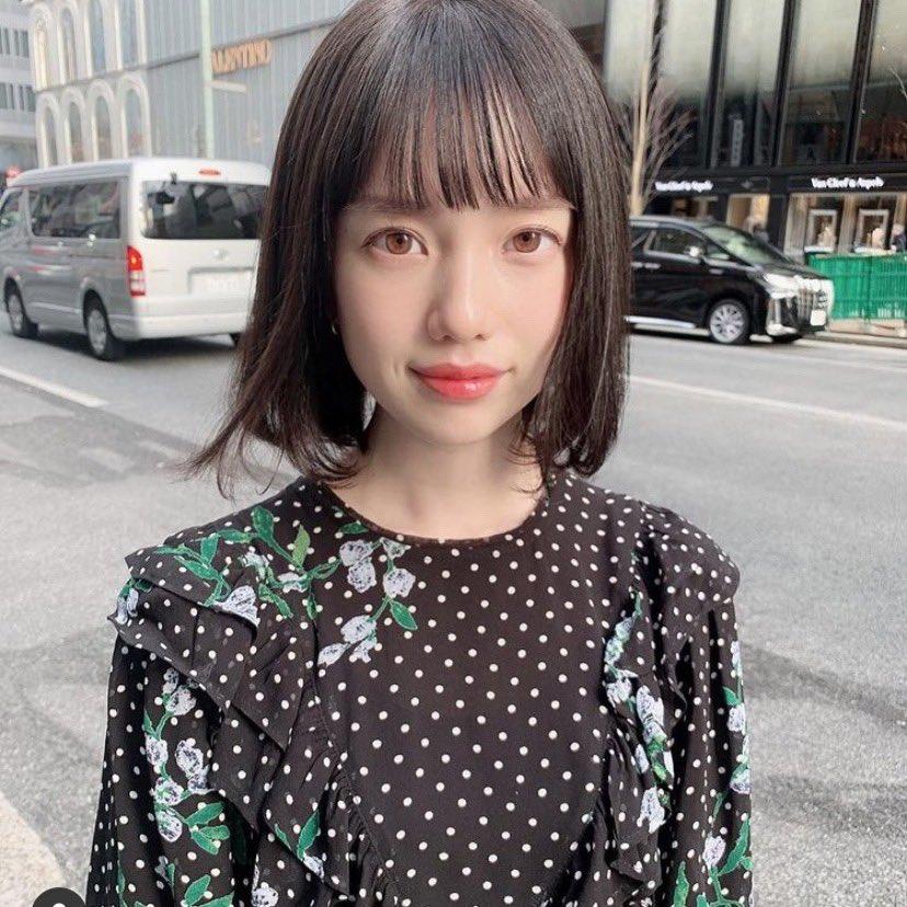 弘中アナ、昔も可愛いけど年々可愛さを更新してるの凄いし自分に合ったメイクと髪型って大切