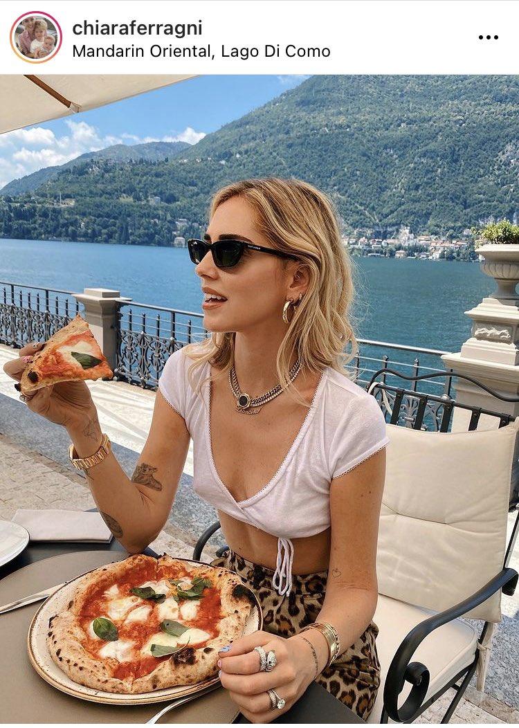イタリアのインフルエンサーのピザが明らかにおかしい