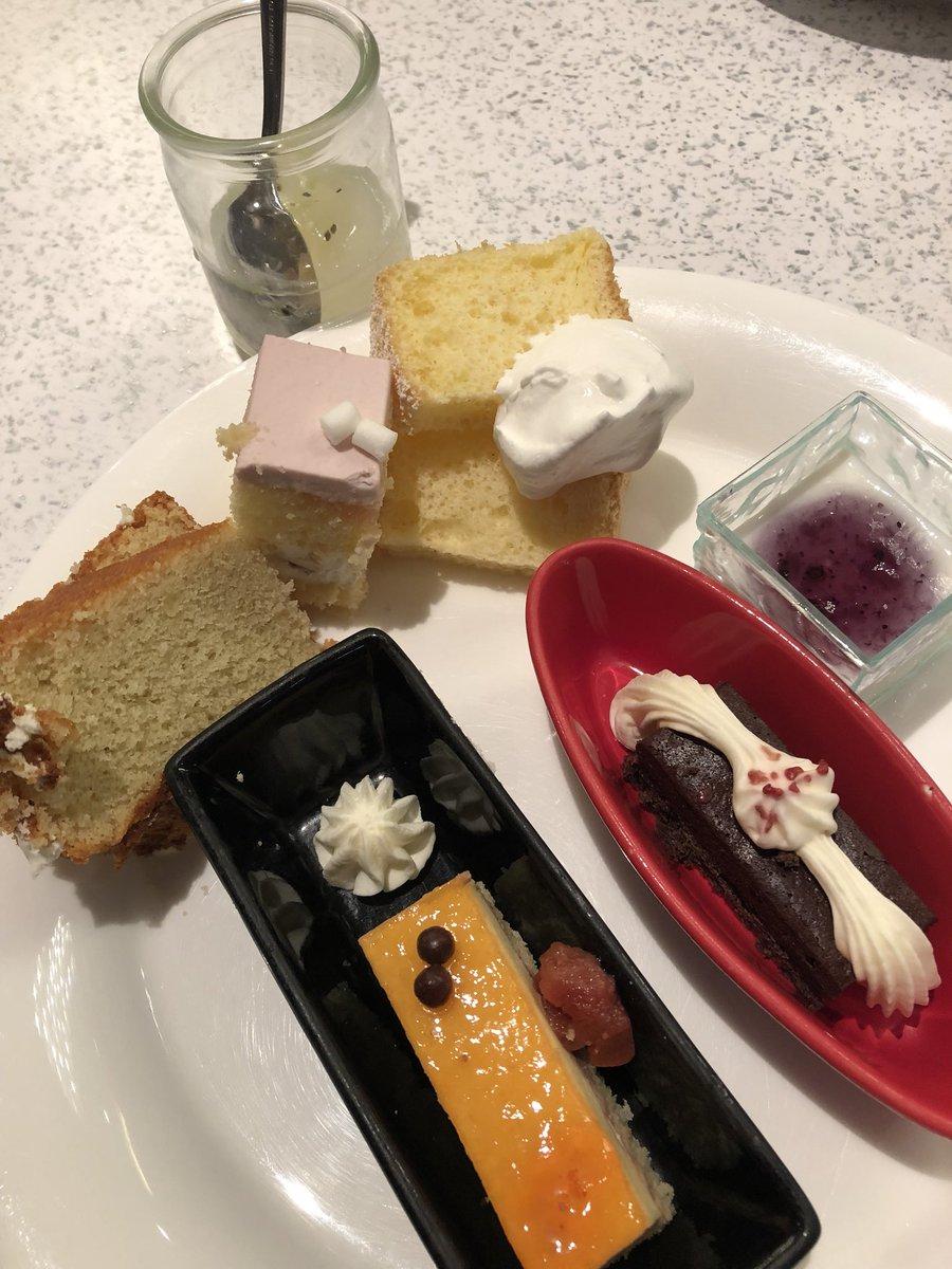 食後のデザート✨(`・ω・´)←更に太る気