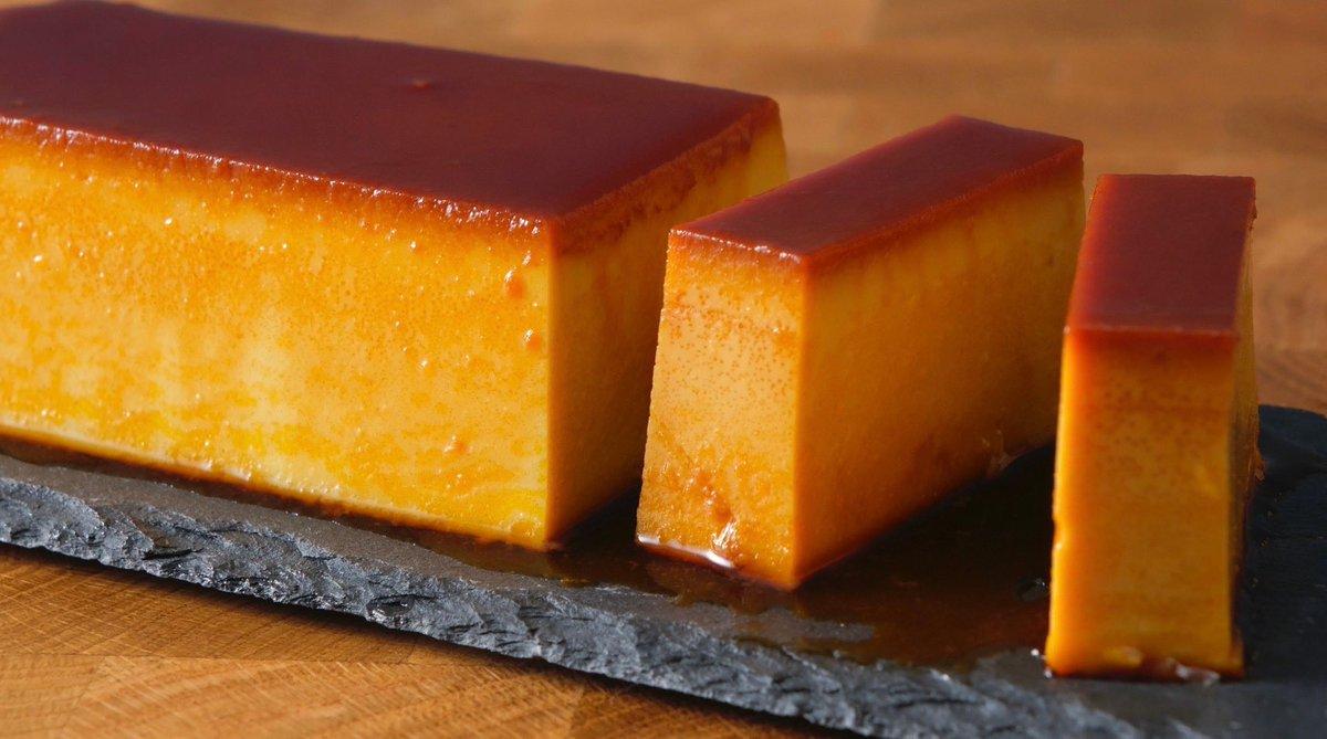 実は1番大切な味の決め手はキャラメルなんじゃないかなと気がついた‼️ →レシピ ①かぼちゃ150gをチンして皮取って、卵2個、キビ糖40g、牛乳150g入れて混ぜるだけ