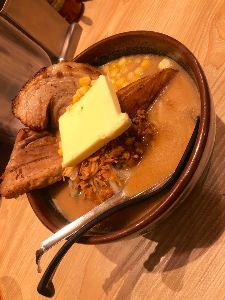 2月は名古屋に行く予定☺️  昨日は日野ちゃんとラーメンを3日連チャンはラーメンはきつかったけどバター味には目があり過ぎて困る🤔