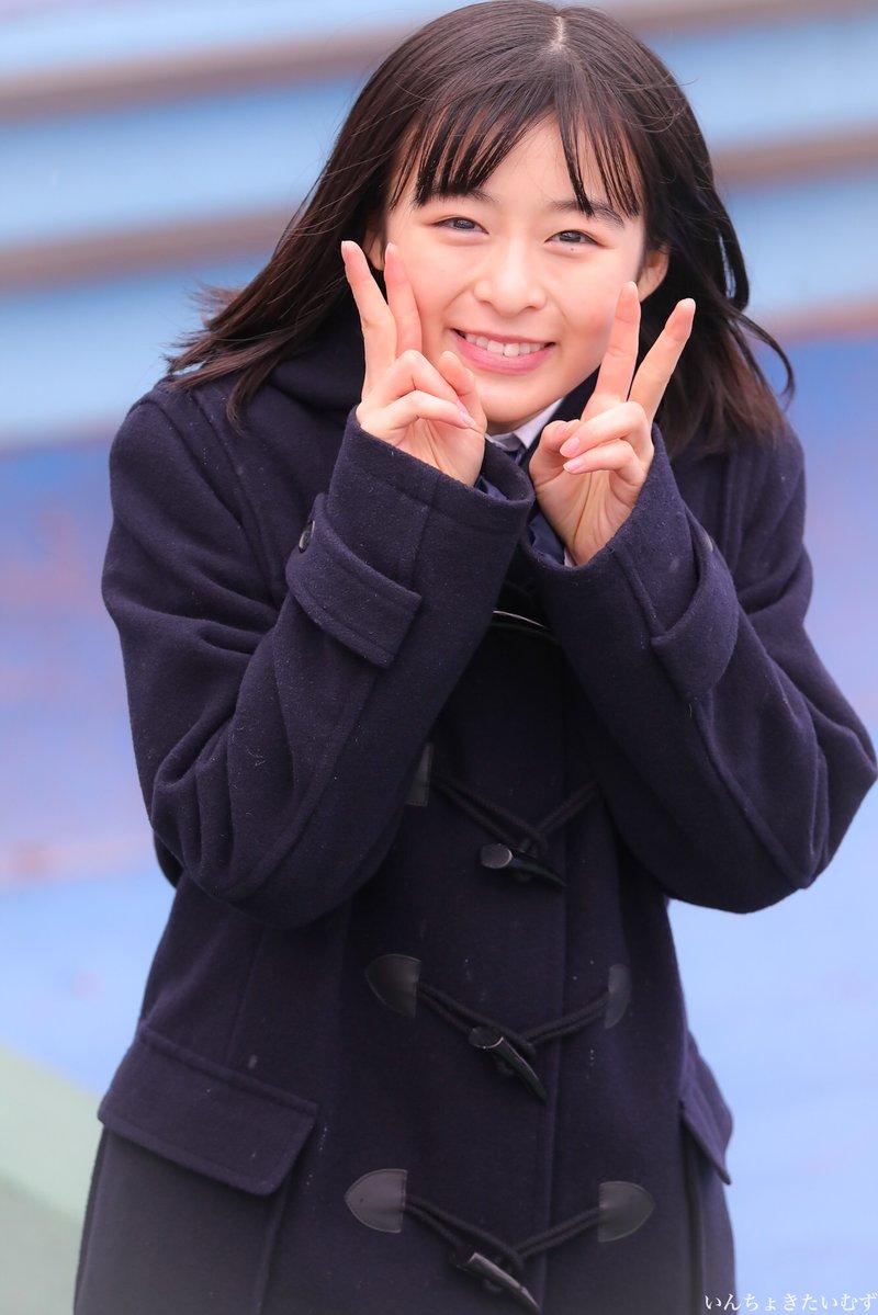 高校サッカー応援マネージャーの森七菜ちゃん可愛すぎる...   登場とともに雨も止んだし、まさに天気の子でした^ ^
