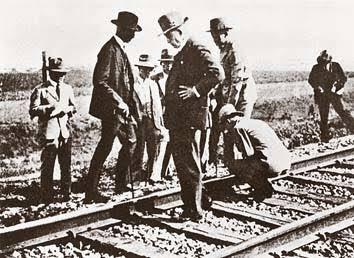 オタクは線路を見つけるとすぐリットン調査団をする