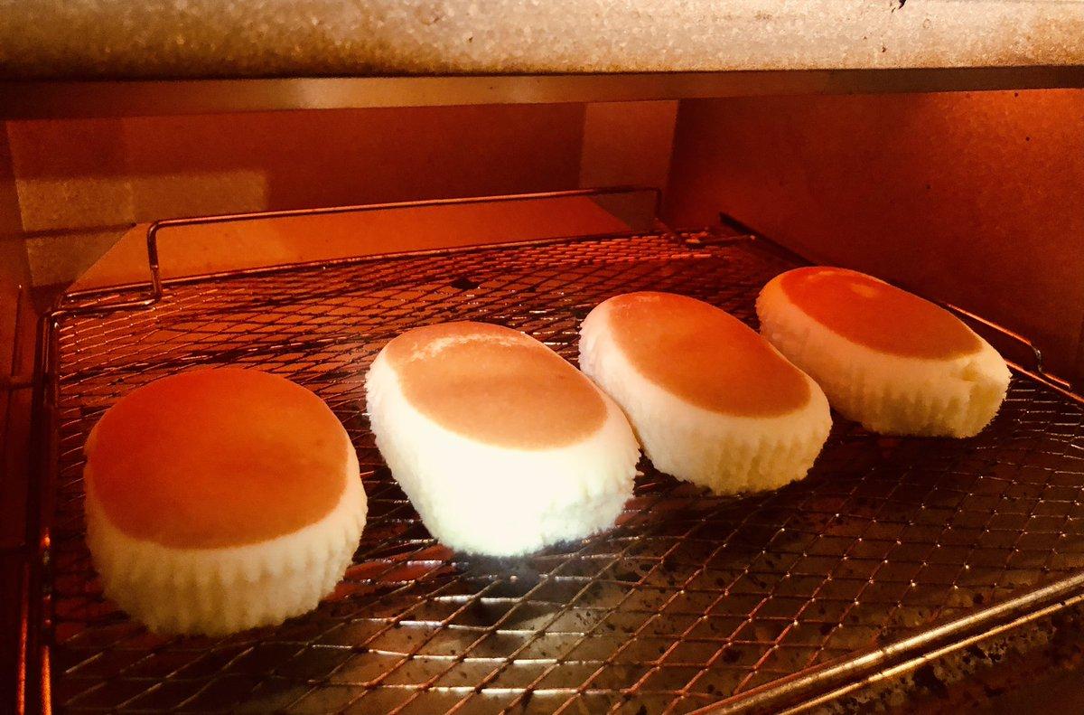 話題のかじるバターアイス、チーズ蒸しパンと合わせたら神の食べ物になるのでは…と思って試したら神になってしまった