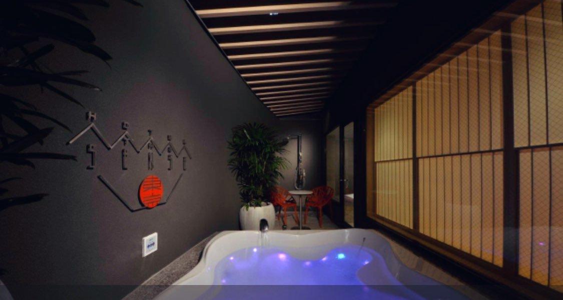 新宿のラブホで圧倒的にオススメなのが「HOTEL SENSE 東京」おしゃれだし、露天風呂あるし、セックスもできて4000円は安すぎる