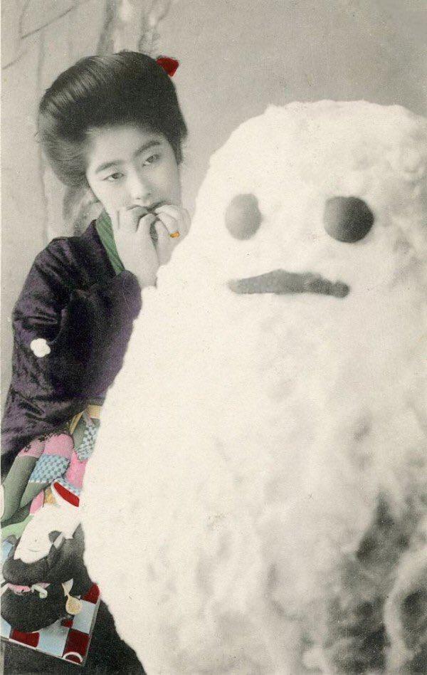 最初、ネタかと思ったんですが明治の雪だるまが寸胴でこんな可愛かったって本当ですか笑 WEBで発見した画像ですが印判皿まであるみたいで、どうやら僕は勝手にかつがれた気になっていたようです😭