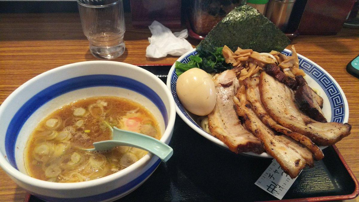 お昼、優勝軒のつけ麺食べて来ました これが噂の甘辛酸っぱだったか!! (  ̄▽ ̄)  #優勝軒