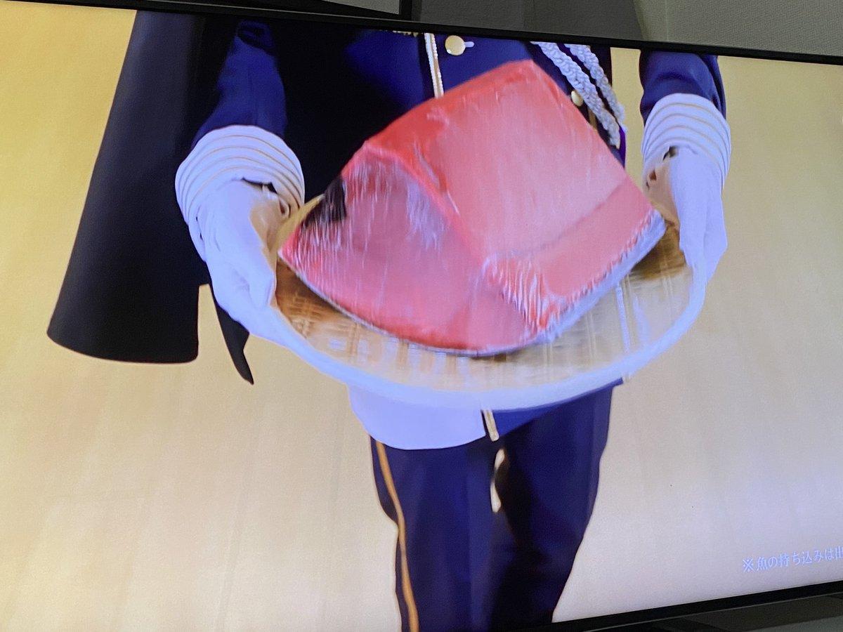 一期一振のCM、いきなり鮪が襲いかかって来て、それを斬りそのままくら寿司に提供してそれを食べるって流れでした