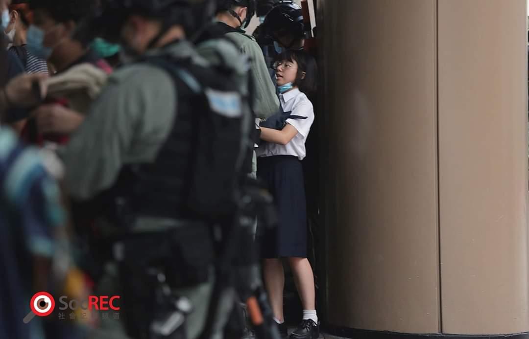 デモに参加していない市民を含めて、600人以上の市民が逮捕されました