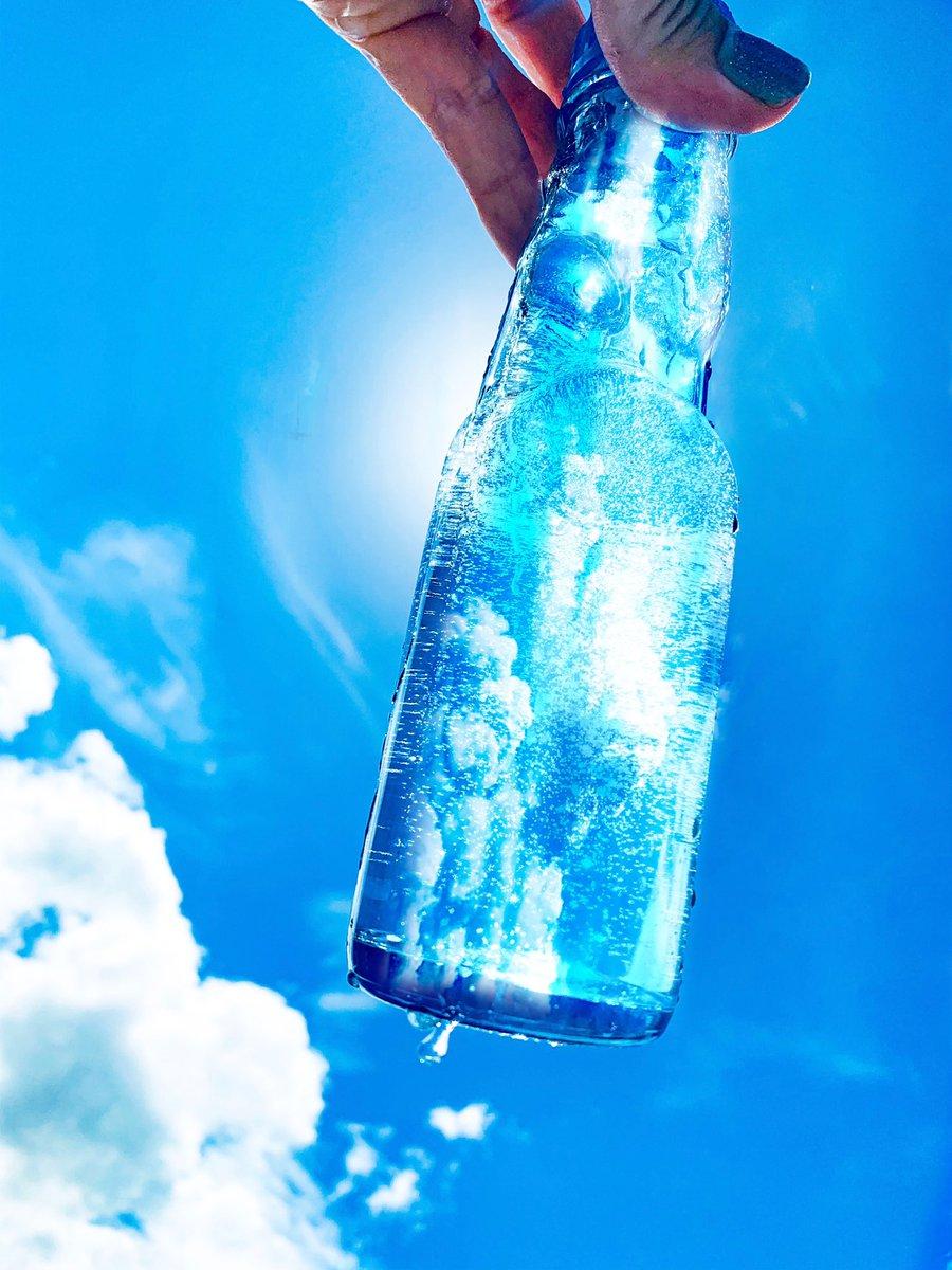 中に詰めてみた。夏の青色のときめきでころしてくれ!
