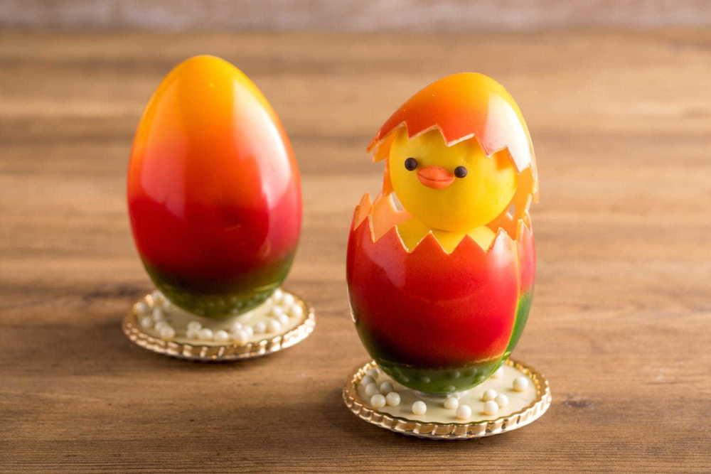 ヒルトン東京のイースターチョコレート、卵から顔を出すヒヨコ&新作のクマやピッグも登場 -