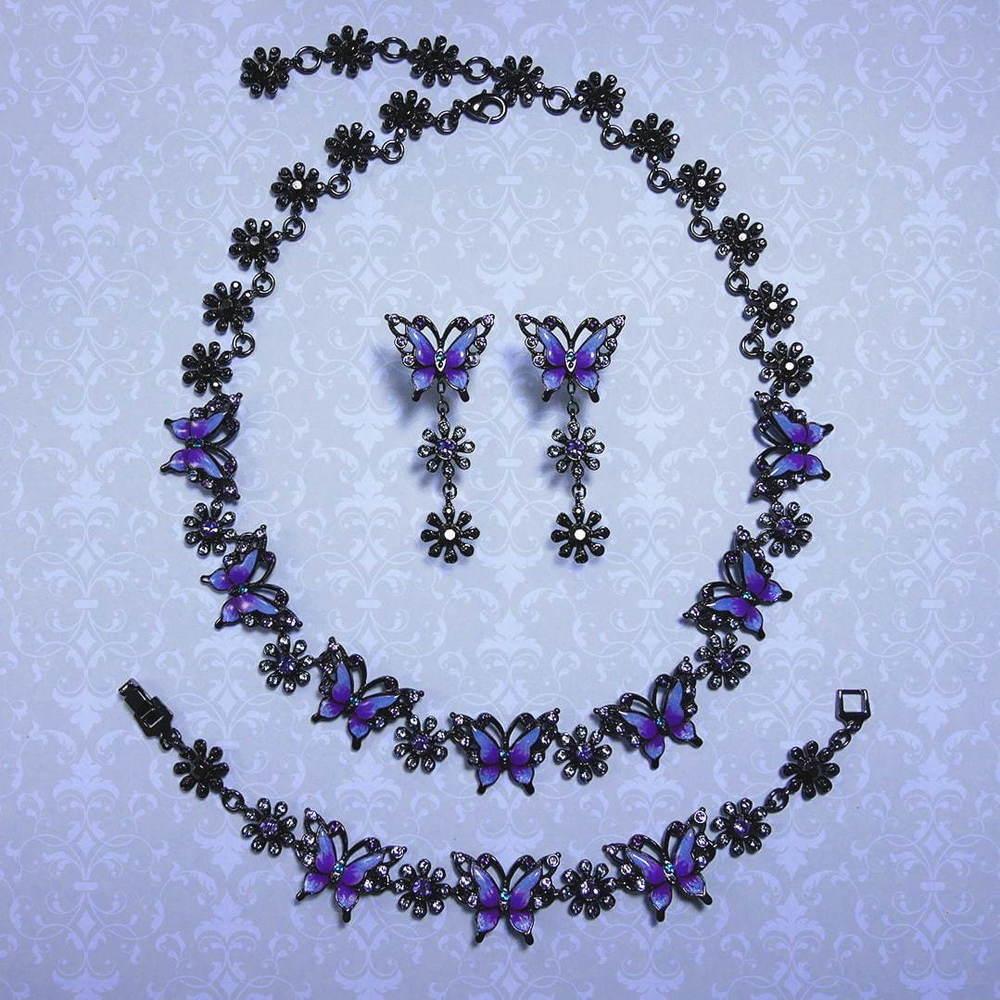 """アナ スイから""""蝶×花""""モチーフの新作アクセサリー、紫のビジュー煌めくピアスやネックレスなど -"""