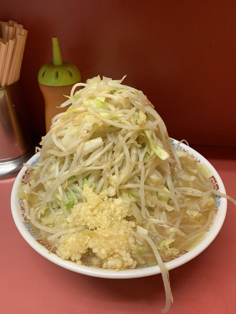 ラーメン二郎 ひばりヶ丘駅前店にて、大ラーメン豚入りを