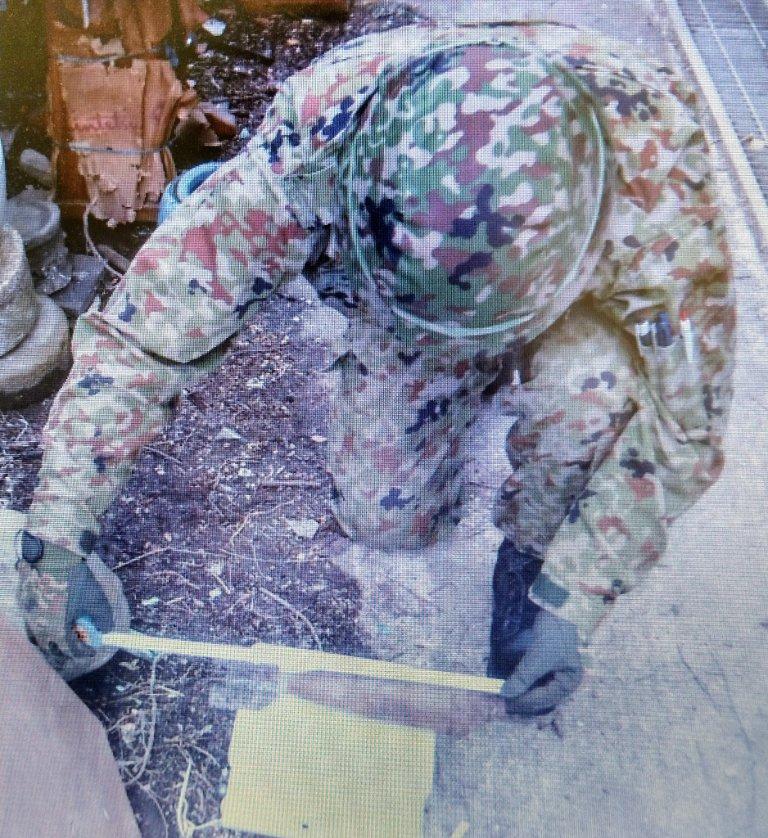 桂駐屯地の第103不発弾処理隊は、5月17日、大阪府門真市において発見された不発弾に対して緊急出動し、無事に回収を行いました