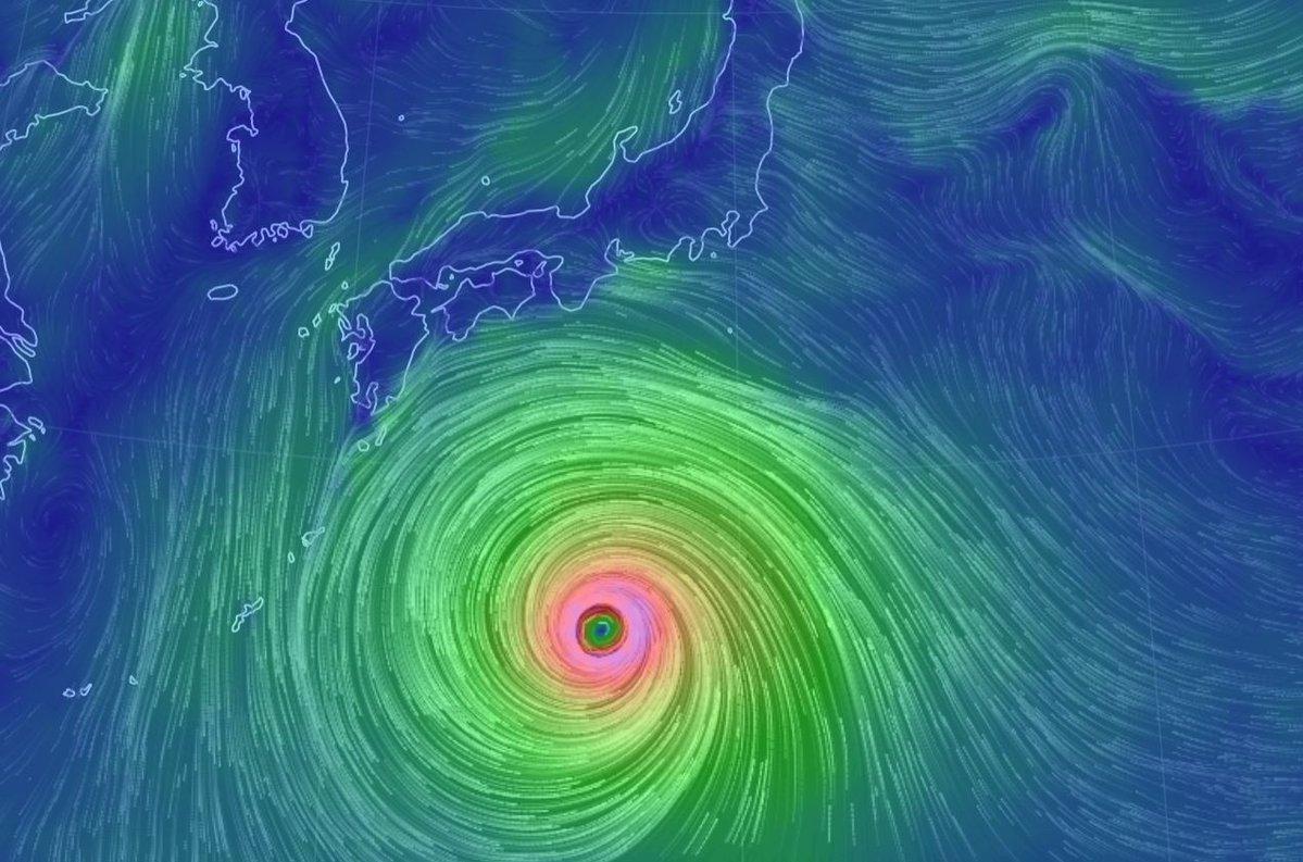 台風10号は、Googleearthの予想でも、大型で猛烈な台風だ   今から準備に入らないと、6日後なので対策が間に合わんな