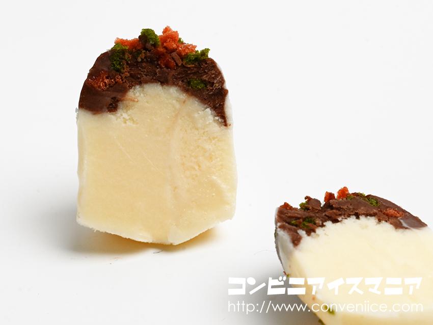 たこ焼アイス』バニラアイスには隠し味に「だししょうゆ」をブレンド