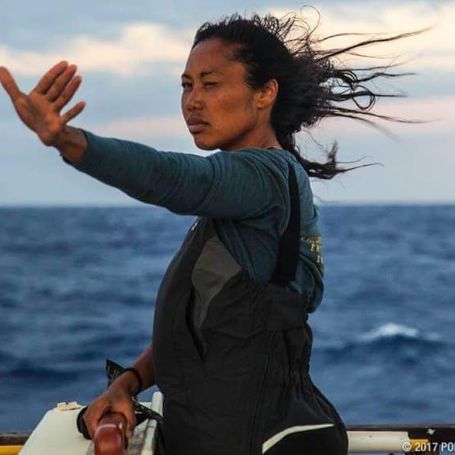 このサモアの女性の手に掘られたタトゥーは、航海術のために使われる