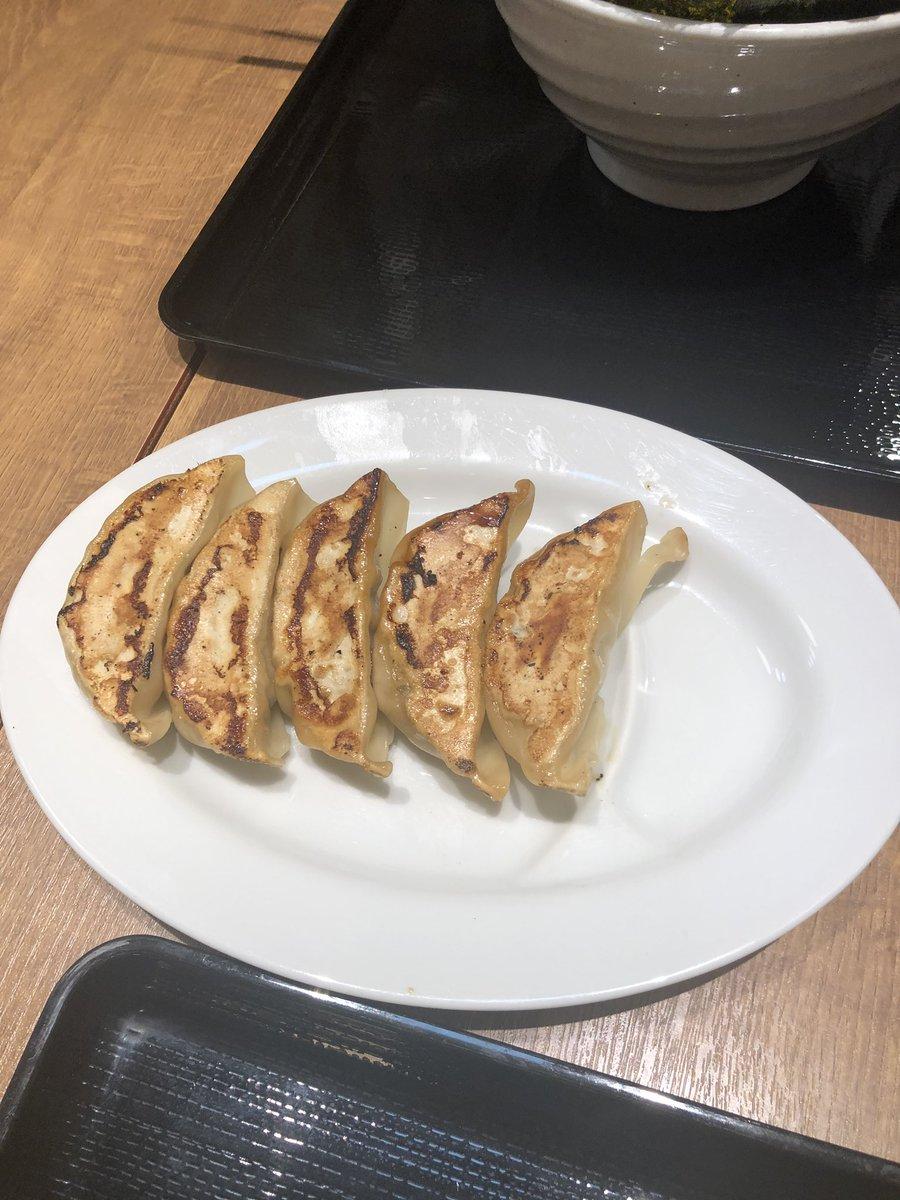 昨日の夜は東京ドーム行ったあとラクーアの麺や かずでラーメン🍜😄