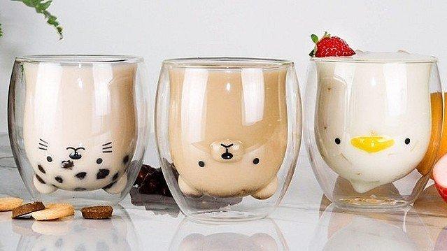 【かわいい】ドリンクを注ぐと動物が現れるグラス   ティータイムに利用者が笑顔になることを願い、ガラス伝統工芸品の職人によって作られたグラス