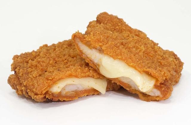 【とろ~り】ファミチキに「チーズタッカルビ味」登場