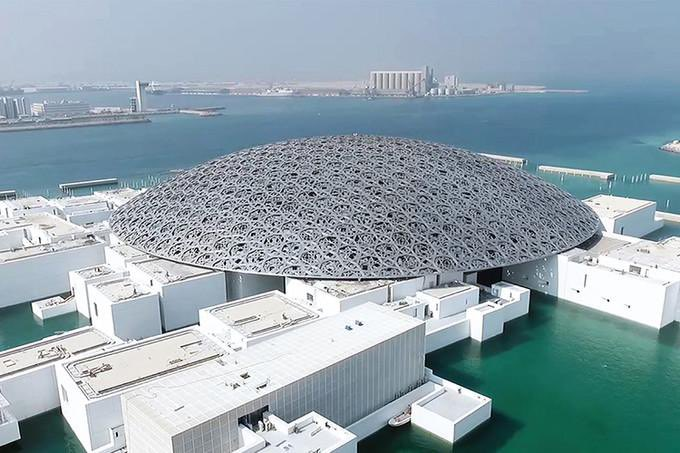 ルーヴル・アブダビ、すごい建物だな。