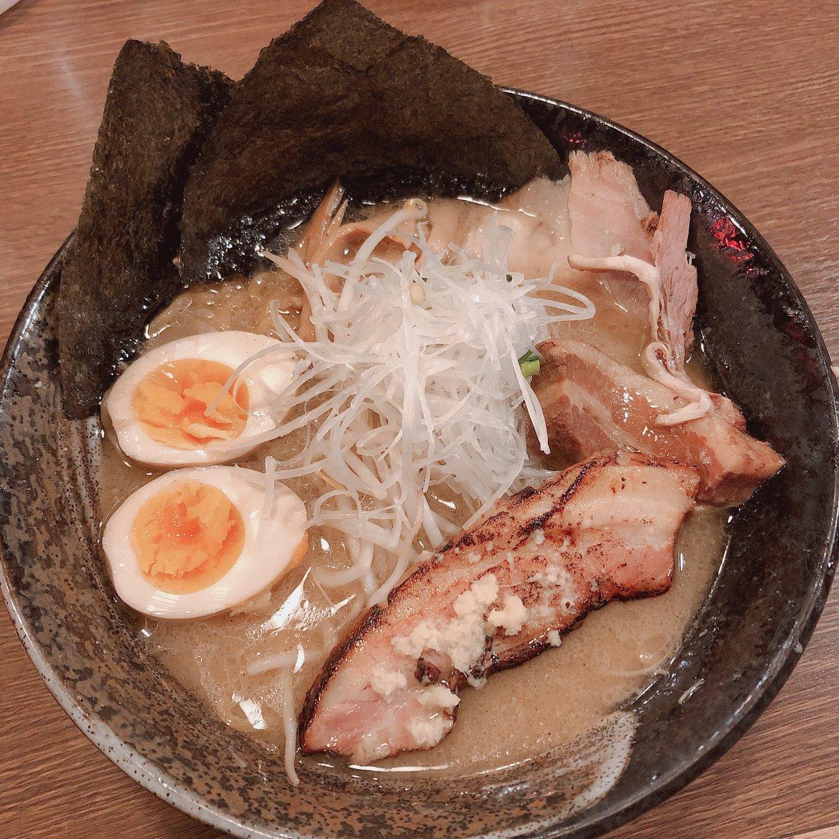 札幌らーめん共和国にある、らーめん空さんのみそラーメン🍜✨ ちぢれ麺とジューシーなお肉が美味しかった✨ #札幌らーめん共和国 #ラーメン #2日続けてみそラーメン #らーめん空