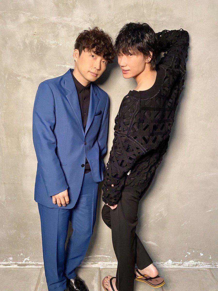 #綾野剛 さんと #星野源 さんが 表紙を飾った「#anan」は 本日発売です