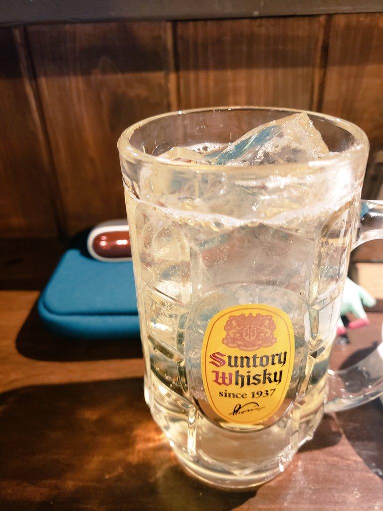 今年一番お世話になったラーメンの飲み納めとバイトお疲れ様~の職場の子たちと飲み納め