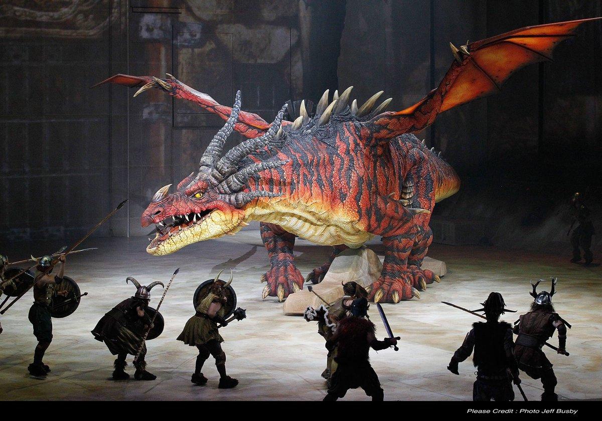 ヒックとドラゴンのミュージカルめちゃくちゃ生で見たい🥺