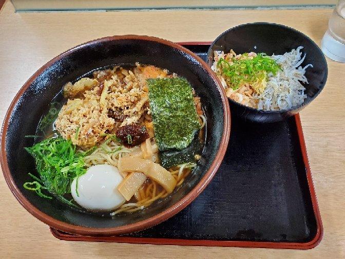 12月31日スマル亭駒門店で味噌ラーメンセットを食べました