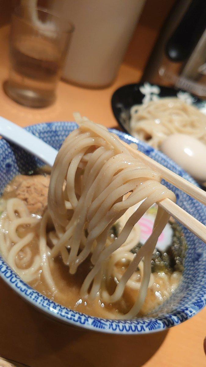 東京に来たら六厘舎 私の中でお決まりの考えです🍀 つけ麺ですが私にとっては年越しそばみたいな必ず食べたい存在✨ これで年を越せる😆  美味しくいただきました😊🎉